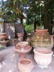De mange krukker i pottemagerens have i Torri del Benaco © iminhave.dk
